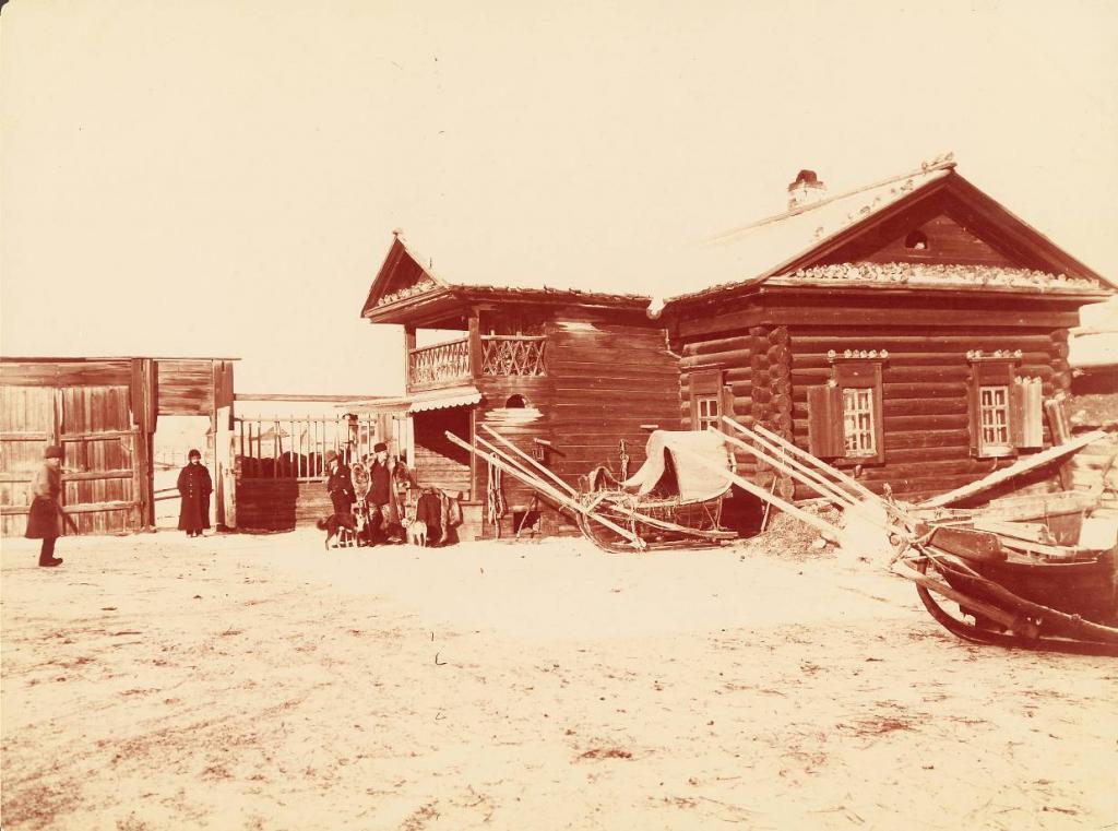 Почтовая станция возле южной оконечности озера Байкал