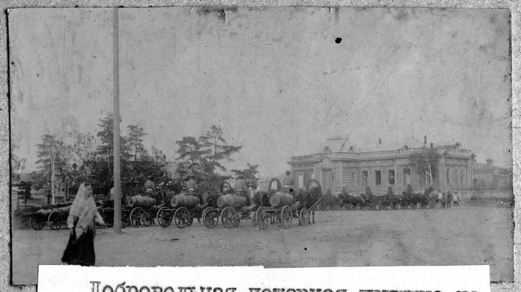 Добровольная пожарная дружина на Театральной площади.
