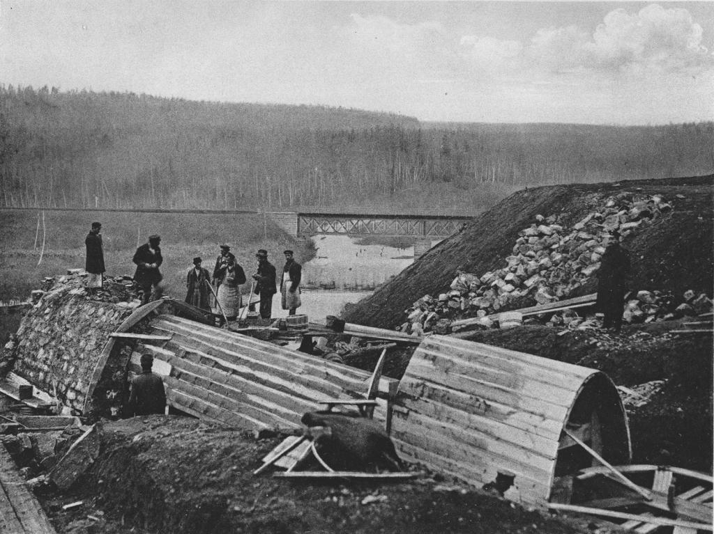2578 верста. Сооружение каменной трубы отв. 0,75 саж. и водоотбойного колодца. Строительный период 1909 г.