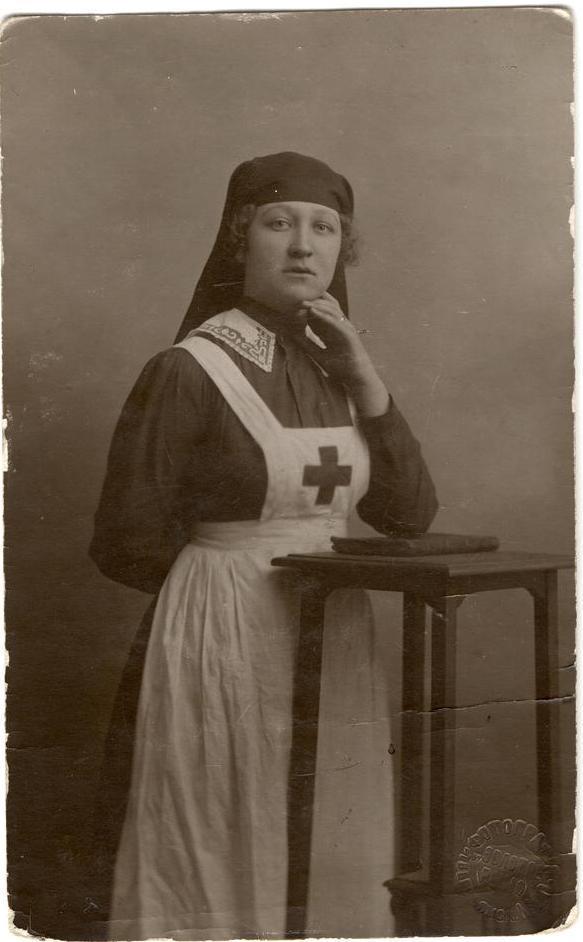 Санитарка Красного Креста Н. Жилкина, погибшая на фронте