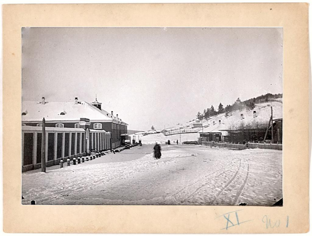 Александровская центральная тюрьма, около шестидесяти верст от Иркутска.