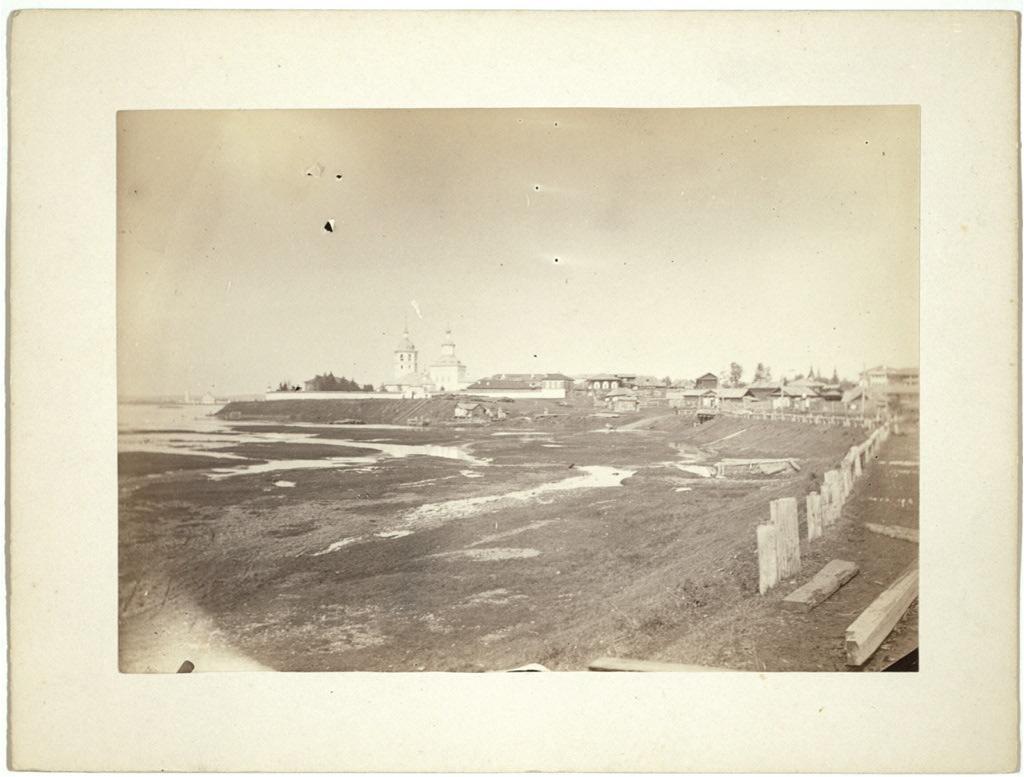 Панорама Иркутска в 1885 году. В этот период Иркутск - самый большой город Сибири.
