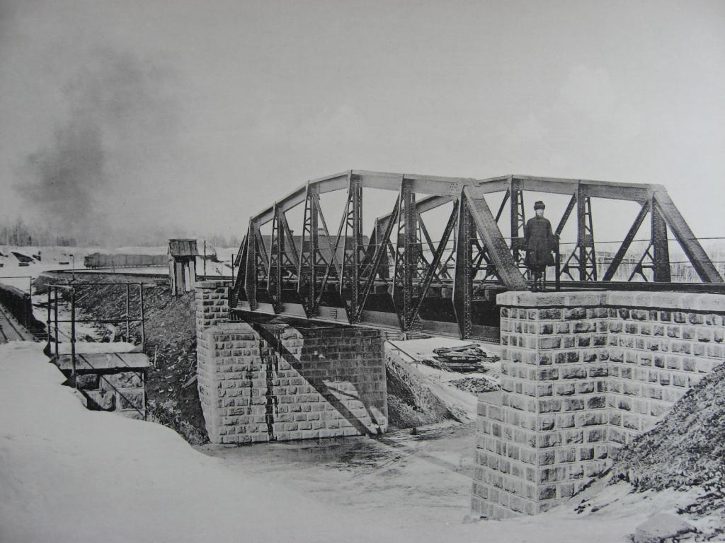 2597 верста. Новый мост под второй путь через р. Рубахину. Строительный период 1909 г.