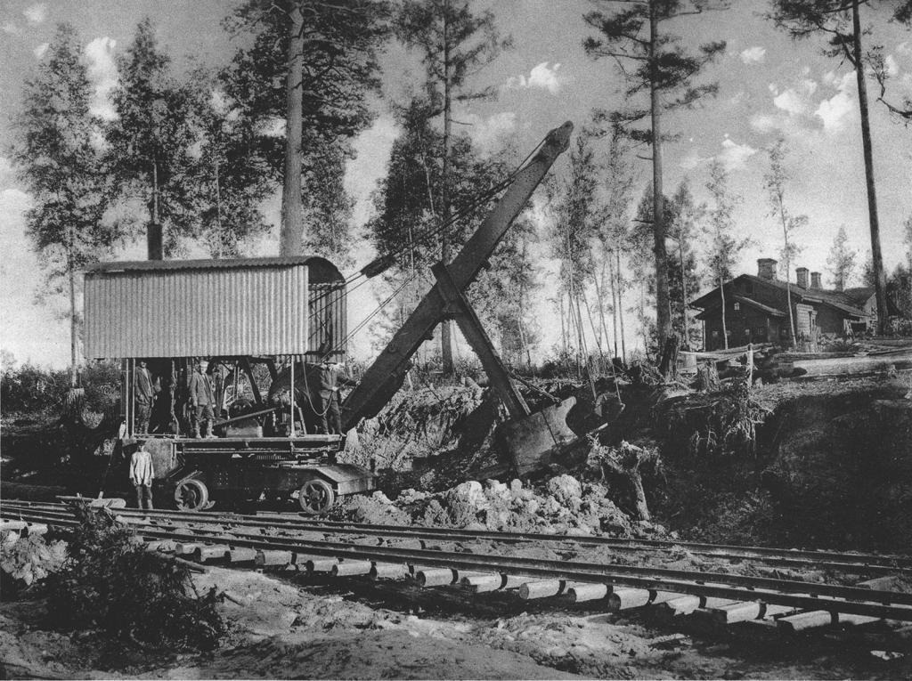 2550-2555 вёрсты. Земляные работы при помощи экскаватора. Черпак берёт землю. Строительный период 1909 г.