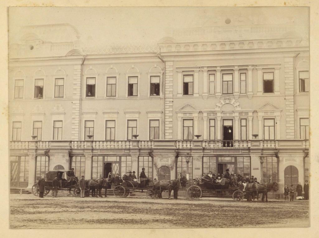 Иркутск. Гостиница Московское подворье. Снято во время отъезда Графа Куродо, японского