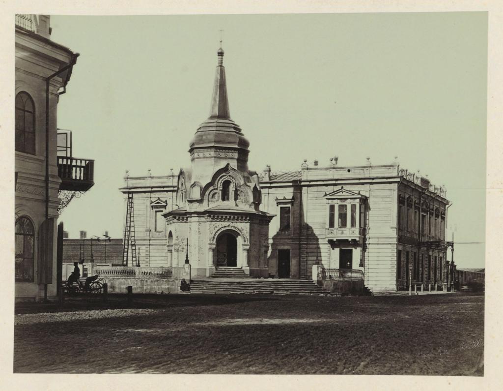 Иркутск. (угол Большой и Ивановской улиц).