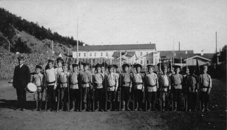 Кадеты Иркутского кадетского корпуса в летних лагерях. 1914 г. Из коллекции БАБР.RU