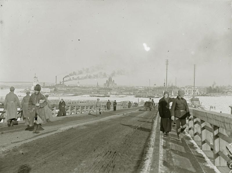 Понтонный мост в 1919 году