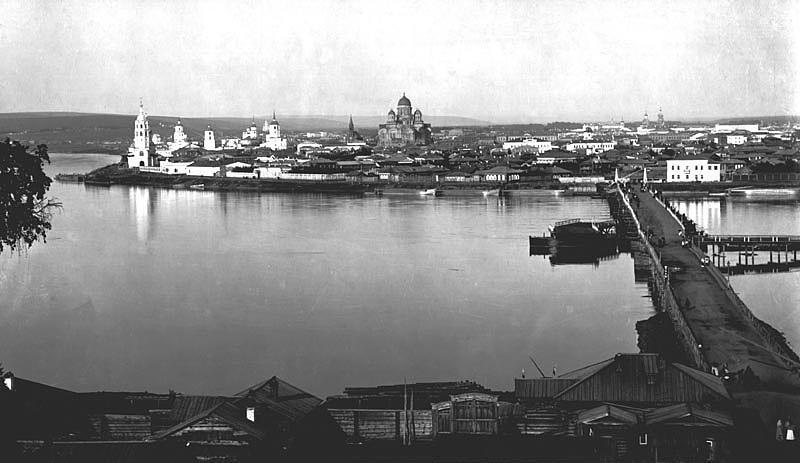 Понтонный Николаевский мост в Иркутске