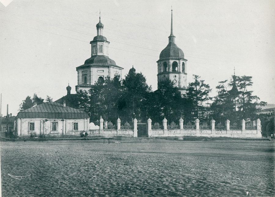 Тихвинская церковь в начале 30-х годов. Из архива Эльвиры Каменщиковой
