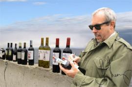 Андрей Макаревич хранил на дне Байкала десять бутылок красного вина.