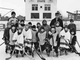 """Детская команда """"Муромец"""" по хоккею с мячом существует в поселке Алгатуй (Тулунский район)"""