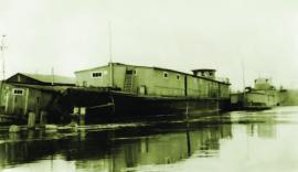 Баржи военных лет 1941-1945 г. Грузоподъемность 500 т. постройки судостроительной верфи Шумилова ИОКМ ВС 6226-24