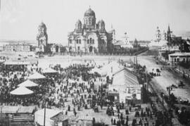 Тихвинская площадь, пасхальные праздники
