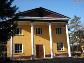 Клуб в поселке Мегет