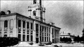 8. Настоятельский корпус (вверху – покои настоятеля; внизу – кельи братии).