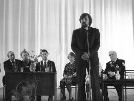 Выступает поэт В. Козлов