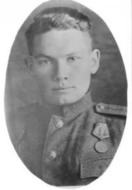 Участник Великой Отечественной войны, кавалер орденов Красной Звезды и «Знак Почета»