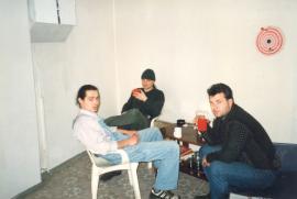 Из «удобств» тогда было лишь два пластиковых стула, стол, старый телефон и... радио. Иркутск, декабрь, 1997.