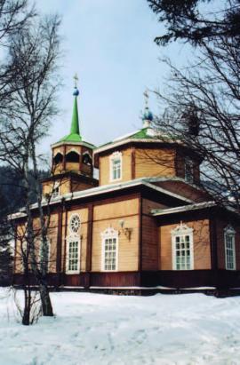Никольская церковь в с. Лиственичное Общий вид
