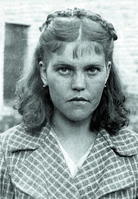 Е.А. Назарова, стахановка трикотажной фабрики «Пролетарий», жена красноармейца