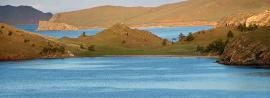 Куркутский залив – один из самых теплых заливов Малого моря, находится недалеко от залива Мухор в сторону пролива Ольхонские ворота.