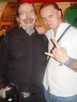 Рольф Буххольц (Rolf Buchholz) и Валерий Лобанов - мастер салона «Tattoo-Перец». 9-й фестиваль татуировки в С.-Петербурге. 18 июня 2011 г.