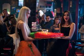 Огромный торт-перец одновременно стал и украшением юбилейного стола, и закуской. Иркутск, 14 октября 2012 г.