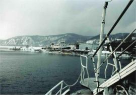 Жизнь в порту Байкал не замирает