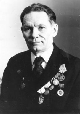 Ученый-сейсмолог, доктор физико-математических наук, член-корреспондент АН СССР, младший научный сотрудник сейсмической станции «Иркутск» (1949–1954)