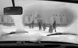 Иркутск, железнодорожный вокзал. 1991 год. Фото Валерия Орсоева