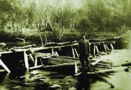 Ловля рыбы корытом. р. Яга.1932 г. ИОКМ ф444-79