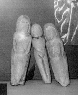 В Иркутском краеведческом музее хранятся копии фигурок женщин, найденные на месте палеолитической стоянки в районе Мальты.