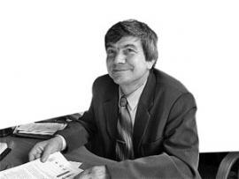 Профессор, доктор наук, заведующий кафедрой социальной и экономической психологии БГУЭП Александр Дмитриевич Карнышев