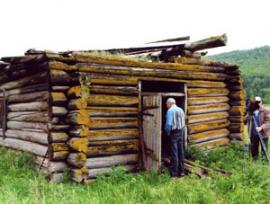 Кузница из села Гогон оказалась никому не нужной, она словно осиротела, о чем наглядно говорил ее внешний вид.