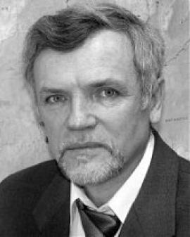 Специалист в области радиоизотопной геологии. Основные направления его научных исследований связаны с изучением магматизма мезозоя и кайнозоя Центральной и Восточной Азии, Восточной Африки и Северной Америки