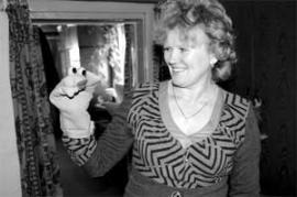 Кукольная мастерица Валентина Яковлевна вела в школе Большого Кашелака кружок, который давал кукольные представления. Теперь кружок не работает из экономии средств.