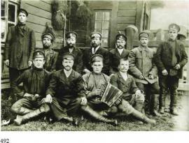 Бригада локомотивщиков и машинистов. 1910 г. ИОКМ ВС 3252-2