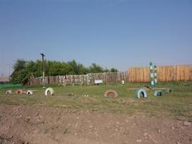 Детская площадка на центральной улице Александровска