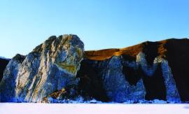 Скальные обнажения северного Ольхона
