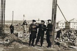 Строительство клуба, г. Шелехов, 1957
