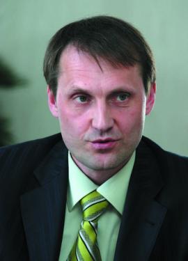 Ю. Параничев