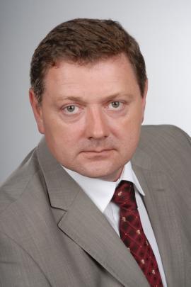 Альберт Николаевич Борозна, член комиссии по бюджету, налогам и финансам Думы г. Братска, член комиссии по городскому хозяйству и муниципальной собственности г. Братска, генеральный директор ООО «Жилтерст-1».