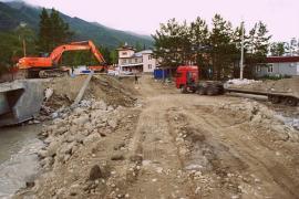 Аварийно-восстановительные работы на трассах в Аршане продолжаются