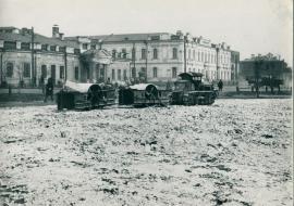 Забутовка площади им. С.М. Кирова (III Интернационала, Тихвинской) гравием, оставшимся после разрушения собора