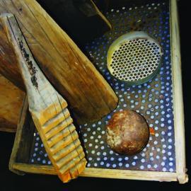 Инвентарь для добычи кедрового ореха