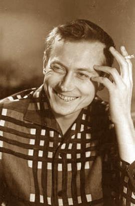 В 1952 стал самым молодым членом Союза писателей СССР, минуя ступень кандидата в члены СП