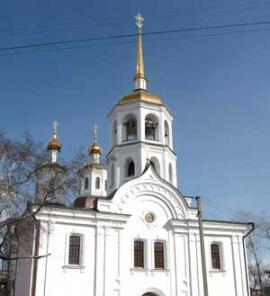 Во дворе сохранившейся Троицкой церкви мастер построил храм Григория Епископа Неокесарийского Чудотворца