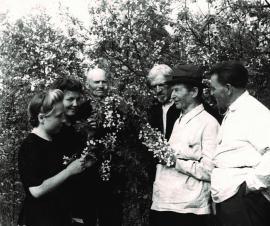 В саду А.К. Томсона в Иркутске