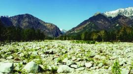 Река Кынгырга у подножья Восточных Саян